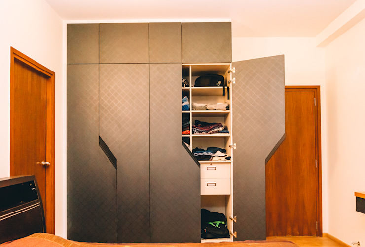 Designer Bedroom Wardrobes - Origami Spaces(Origamispaces.com) Modern style bedroom by homify Modern