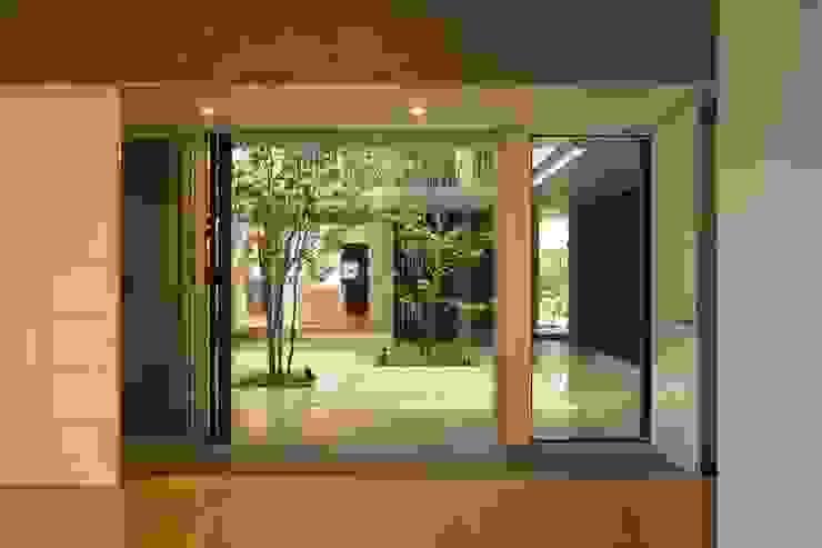 Fenêtres & Portes modernes par HAN環境・建築設計事務所 Moderne