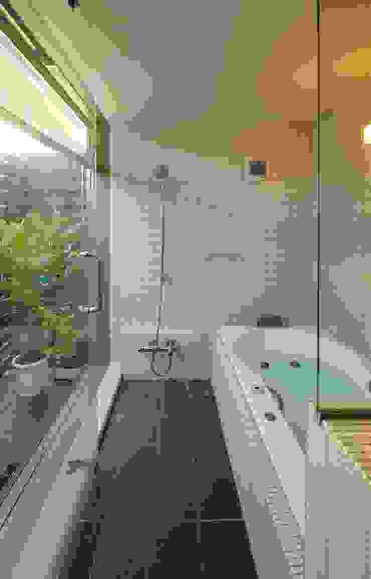 HAN環境・建築設計事務所 Scandinavian style bathroom