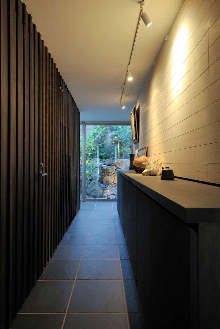 HAN環境・建築設計事務所 Scandinavian style corridor, hallway& stairs