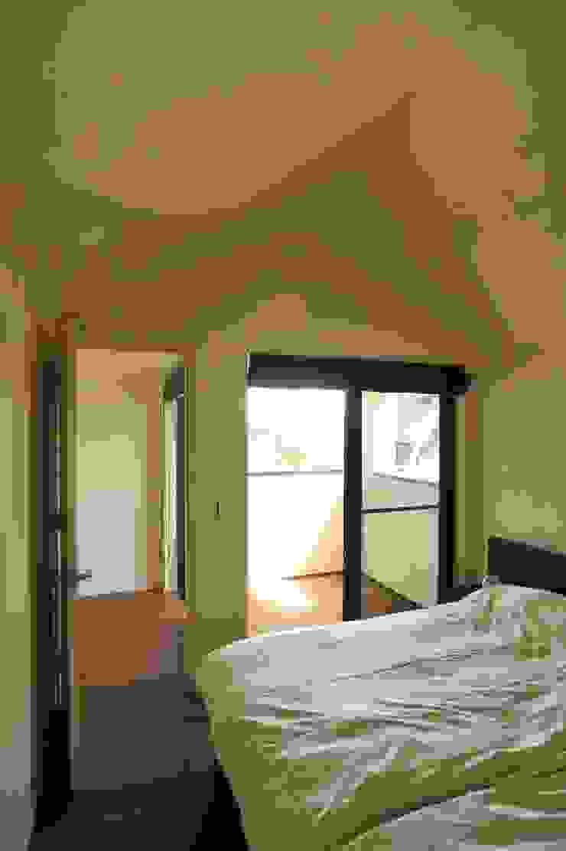 HAN環境・建築設計事務所 Modern style bedroom