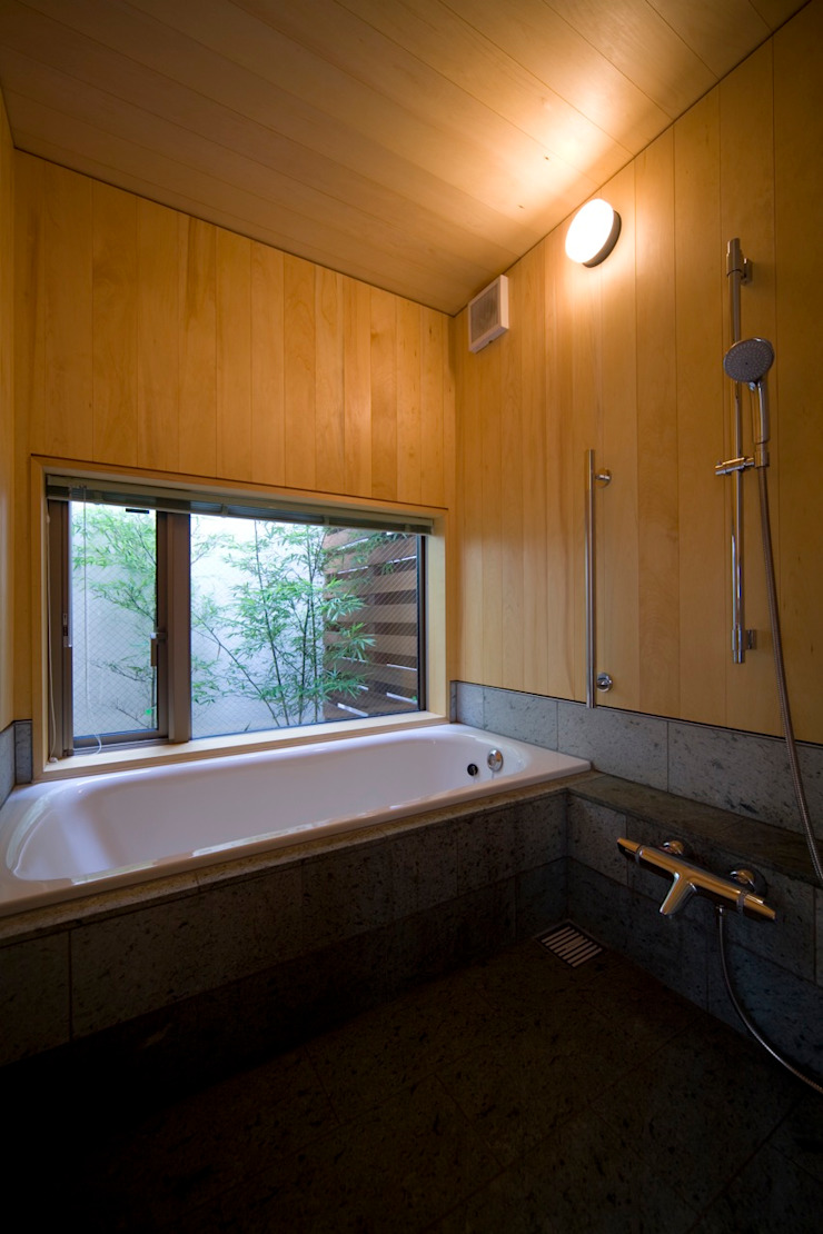 HAN環境・建築設計事務所 Modern style bathrooms