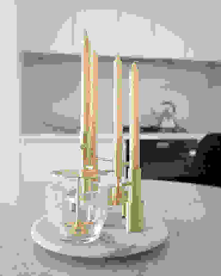 화이트 톤으로 모던하고 미니멀하게 꾸민 30평대 아파트 인테리어 모던스타일 다이닝 룸 by husk design 허스크디자인 모던