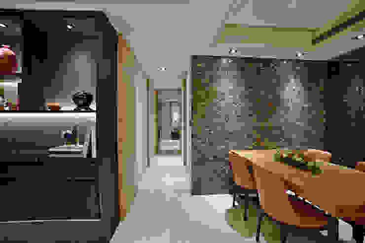 住空間-信義路 現代風玄關、走廊與階梯 根據 青易國際設計 現代風