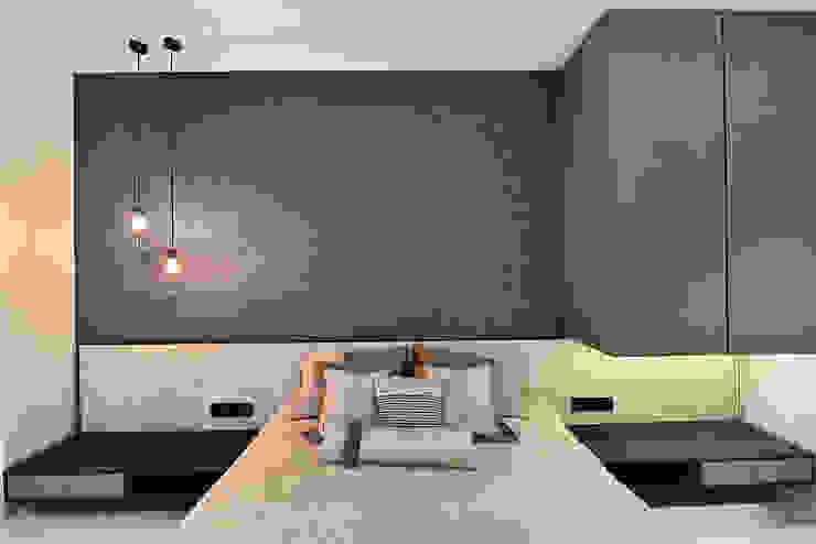 DIVYA BUNGALOW Modern style bedroom by smstudio Modern