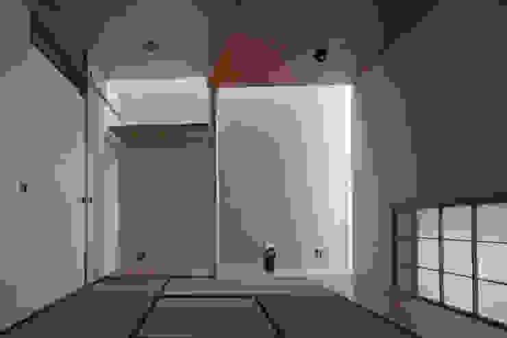 西原の家 / House in Nishihara 庄司寛建築設計事務所 / HIROSHI SHOJI ARCHITECT&ASSOCIATES モダンデザインの 多目的室