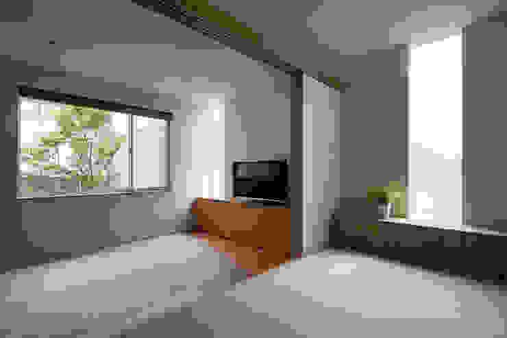 井の頭の家 / House in Inokashira 庄司寛建築設計事務所 / HIROSHI SHOJI ARCHITECT&ASSOCIATES モダンデザインの 多目的室