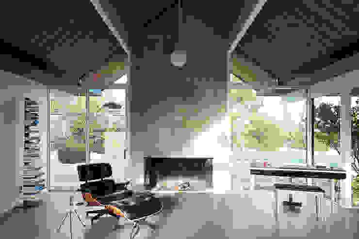 Burlingame Eichler Remodel Klopf Architecture Modern Living Room by Klopf Architecture Modern