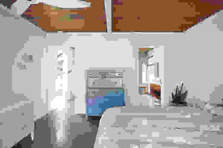 Burlingame Eichler Remodel Klopf Architecture Modern Bedroom by Klopf Architecture Modern