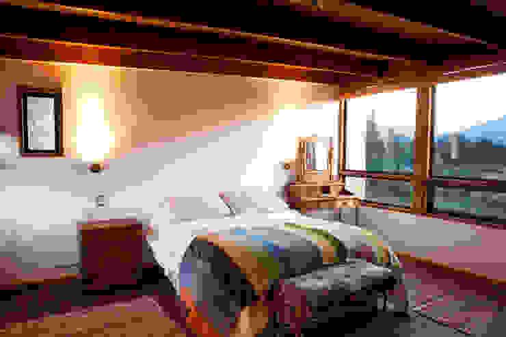 DORMITORIO PRINCIPAL Dormitorios de estilo moderno de homify Moderno
