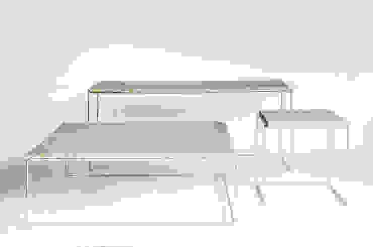 DESIGN STUDIO NIRUK Living roomSide tables & trays