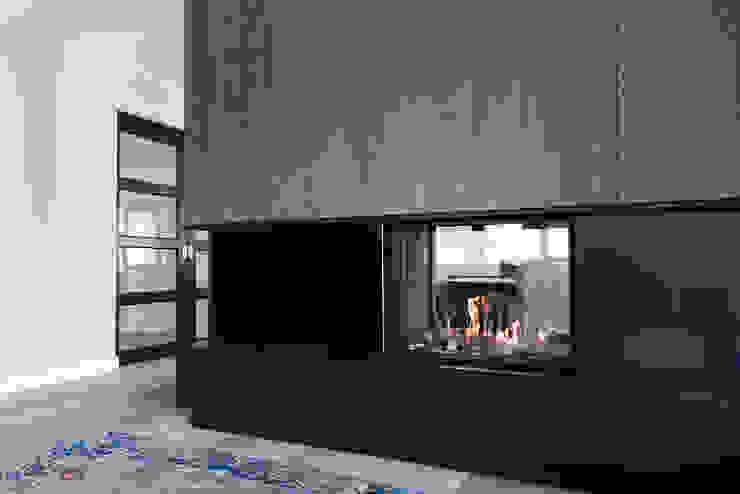 Woonhuis Utrecht Moderne woonkamers van DWB2C Modern Hout Hout