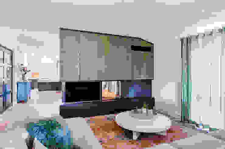 Woonhuis Utrecht Moderne woonkamers van DWB2C Modern