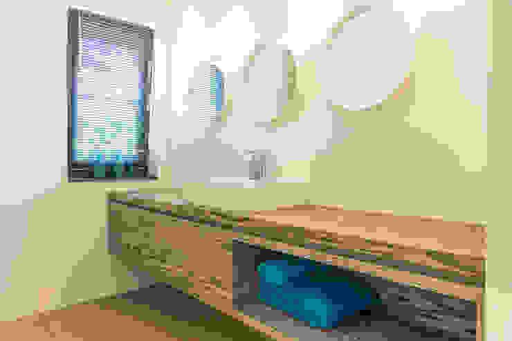 Woonhuis Utrecht Moderne badkamers van DWB2C Modern Hout Hout