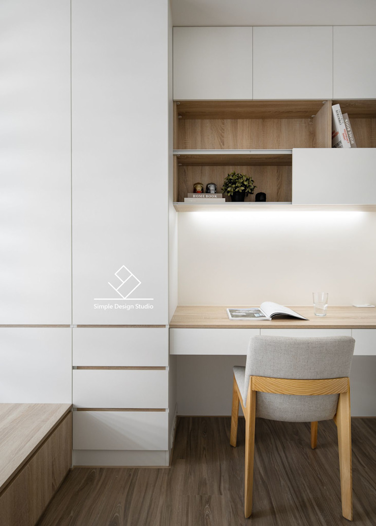 Studio in stile scandinavo di 極簡室內設計 Simple Design Studio Scandinavo MDF