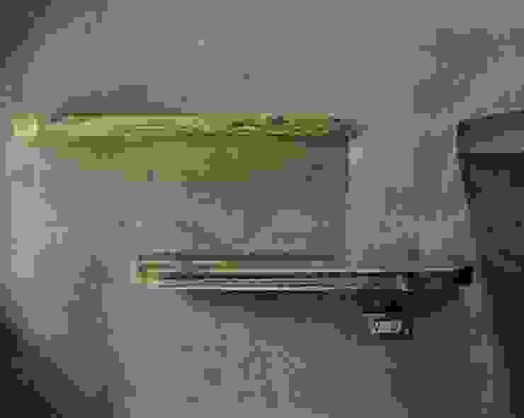 隱藏式層板: 產業  by 日常鉄件製作所, 工業風 木頭 Wood effect