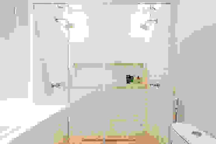 Banheiro Suíte Banheiros modernos por Rafael Ramos Arquitetura Moderno