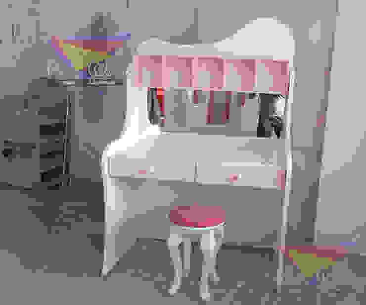 Hermoso tocador juvenil de camas y literas infantiles kids world Moderno Derivados de madera Transparente