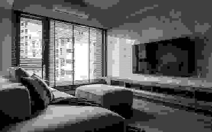Living area 现代客厅設計點子、靈感 & 圖片 根據 湜湜空間設計 現代風 大理石