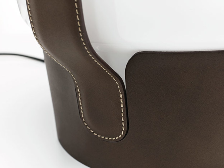 dua Dining roomLighting Leather