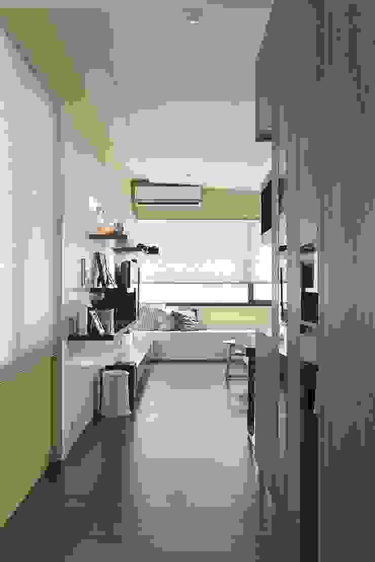 光源通透、無限放大的居家LOOK! 現代風玄關、走廊與階梯 根據 禾光室內裝修設計 ─ Her Guang Design 現代風