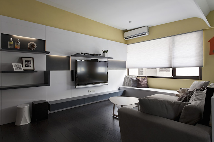 光源通透、無限放大的居家LOOK! 现代客厅設計點子、靈感 & 圖片 根據 禾光室內裝修設計 ─ Her Guang Design 現代風