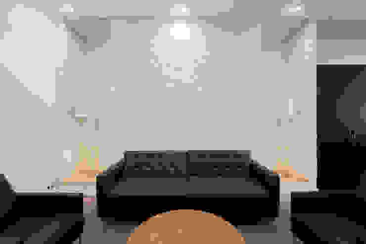 Лофт на Трубной Modern Living Room by Архитектурная мастерская ПРОЕКТУС Modern