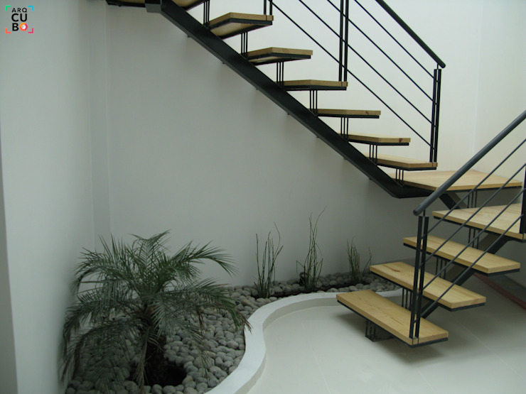 Stairs by ARQCUBO ARQUITECTOS