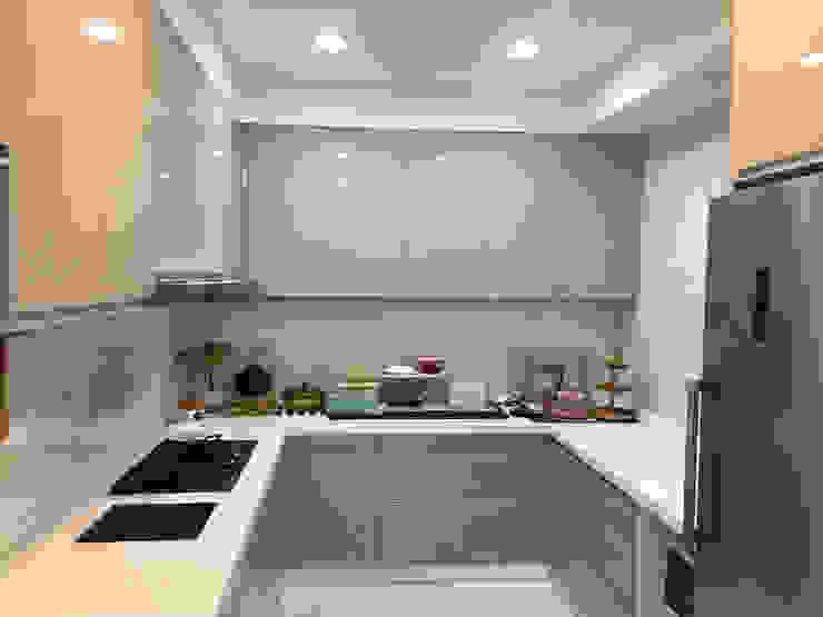 五股中興路設計案 整體穿透 提升豪華價值 現代廚房設計點子、靈感&圖片 根據 捷士空間設計(省錢裝潢) 現代風