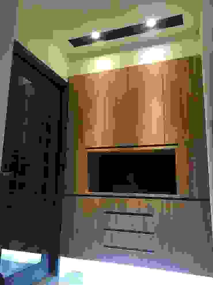 Casas modernas por 捷士空間設計(省錢裝潢) Moderno