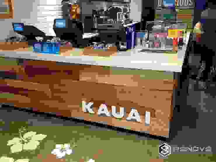 Kauai, Cape Town by Renov8 CONSTRUCTION Rustic