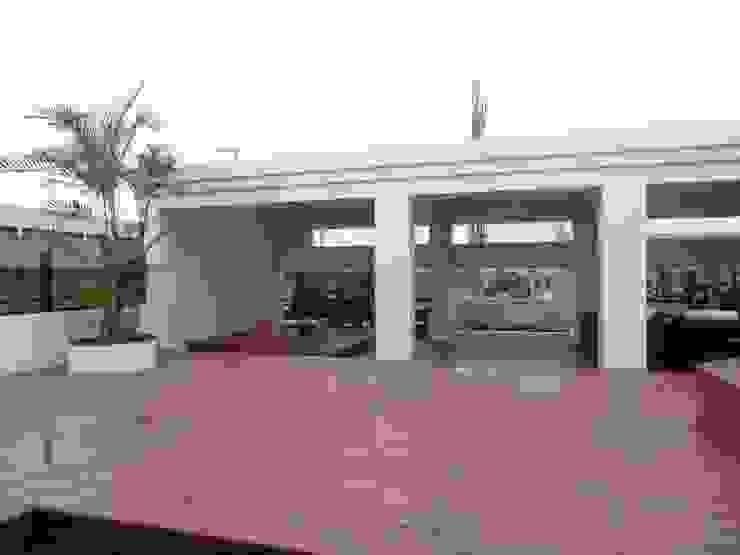 頂樓利用空間規劃設計SPA熱水溫泉池 根據 上群休閒水藝開發有限公司 現代風