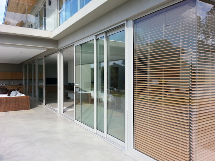 Inso's Aluminium Doors Modern style doors by Inso Architectural Solutions Modern Aluminium/Zinc