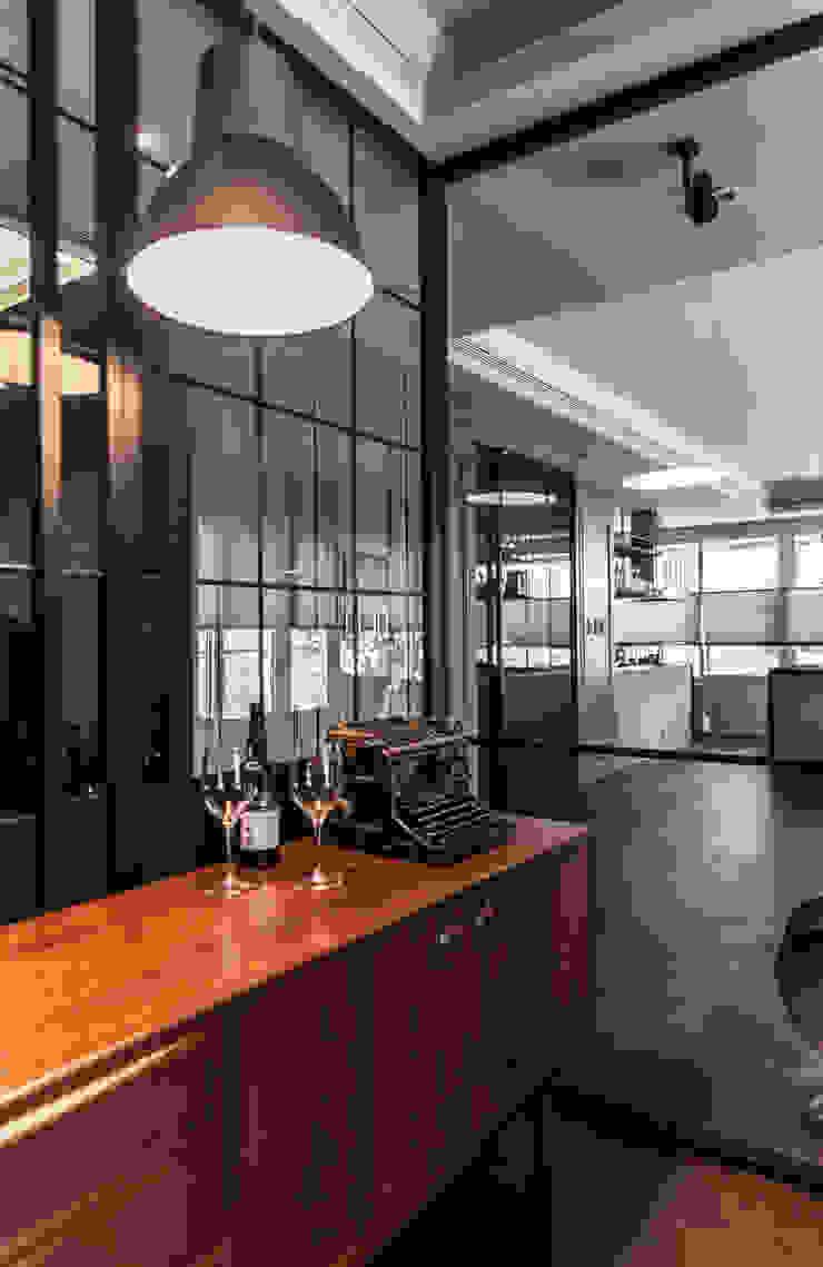 林口天地昕 現代風玄關、走廊與階梯 根據 隱室設計 In situ interior design 現代風