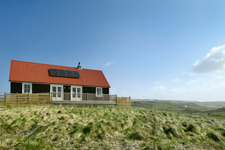 2 Bedroom Wee House in Uig, Isle of Lewis Classic style houses by The Wee House Company Classic Solid Wood Multicolored