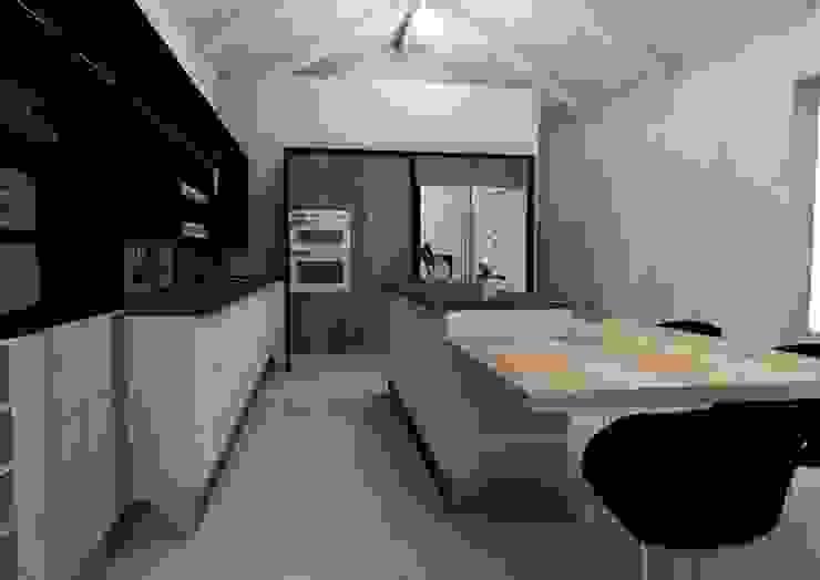 Kitchen by LINE Creative Interiors