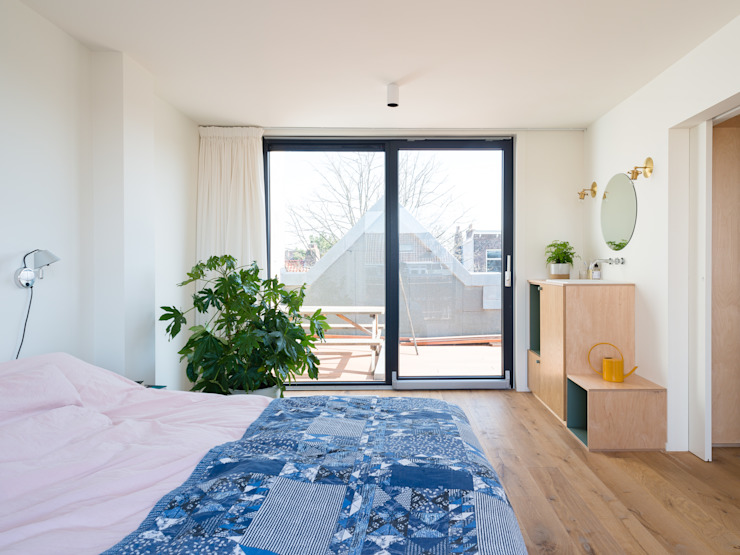 Bedroom Kevin Veenhuizen Architects Moderne slaapkamers Hout Wit