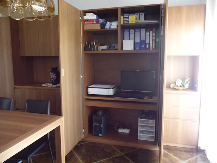vano ufficio nascosto nel mobile con meccanismo ante rientranti di Frigerio Paolo & C. Classico Legno Effetto legno