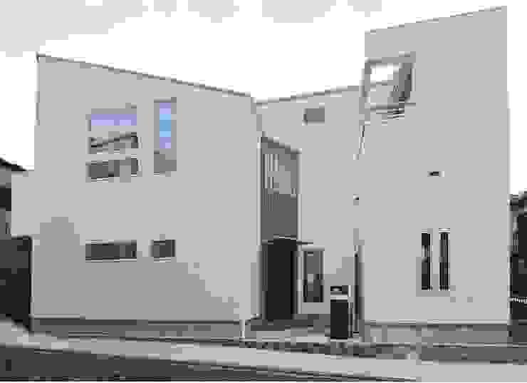 外観 滝沢設計合同会社 屋根 スレート 白色