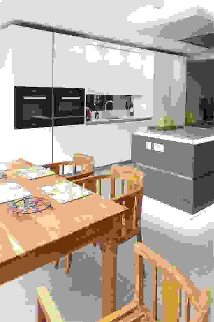 Miele Induction hob and Blanco, Andano Sink, Stainless Steel Nhà bếp phong cách hiện đại bởi PTC Kitchens Hiện đại