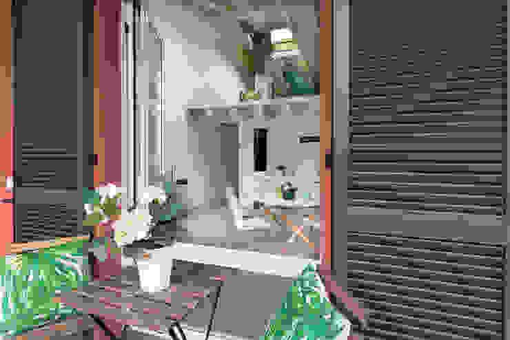 Modern terrace by Boite Maison Modern