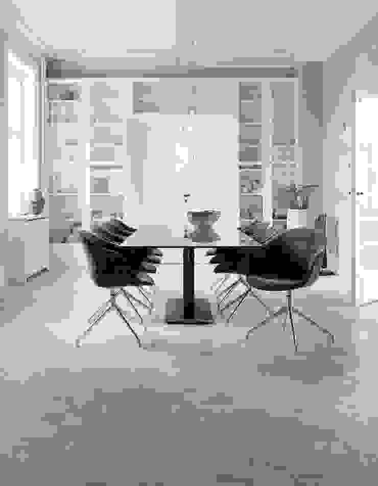 Mesa Monza e Cadeiras Adelaide por BoConcept Lisboa Escandinavo