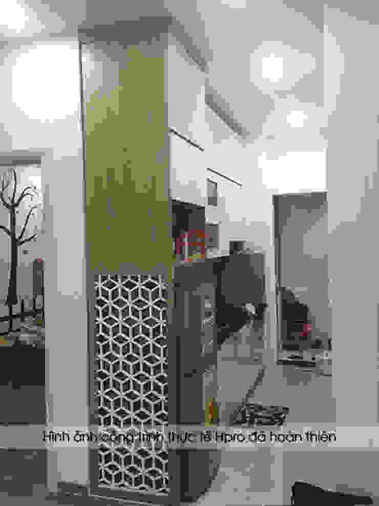 Hình ảnh thiết kế 3D tủ bếp Laminate nhà chị Vân: hiện đại  by Nội thất Hpro, Hiện đại Đồng / Đồng / Đồng thau
