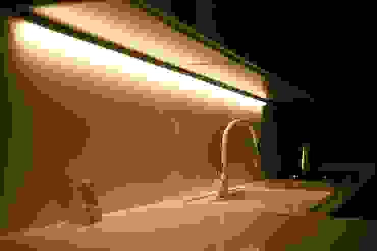 Lina İç Mimarlık – Modern Villa Projesi:  tarz Mutfak üniteleri,