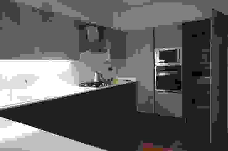 Kitchen by Lina İç Mimarlık, Modern