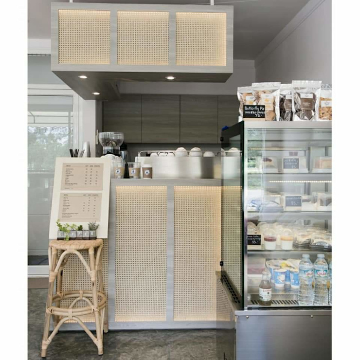 Coffee.counter: ผสมผสาน  โดย INNHOMEDESIGNSTUDIO, ผสมผสาน สิ่งทอ Amber/Gold