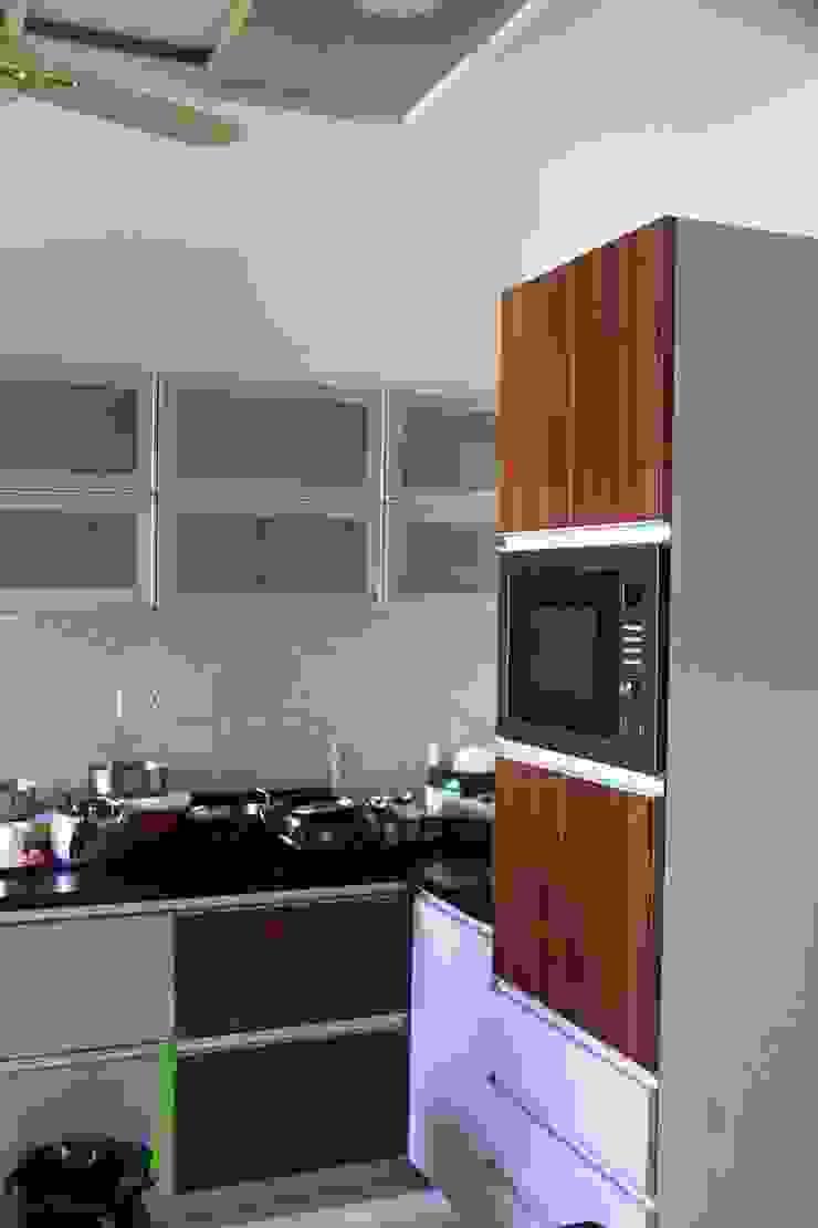APARTMENT INTERIORS Minimalist kitchen by Finch Architects Minimalist