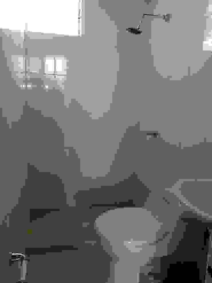 Baño en habitación principal Baños de estilo moderno de Trazos Studio SAS Moderno