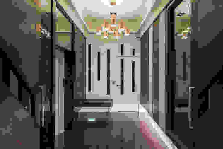 豪邸-京藏 經典風格的走廊,走廊和樓梯 根據 SING萬寶隆空間設計 古典風
