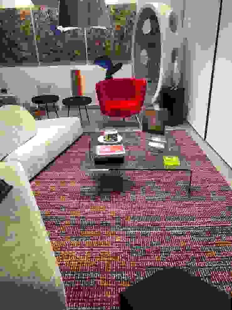 Apartamento en Campo Alegre de THE muebles Ecléctico